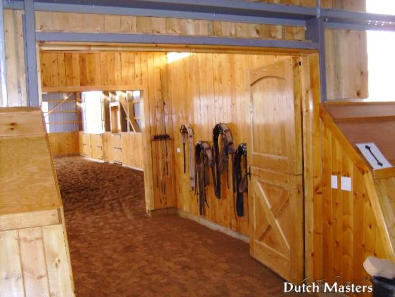 Hollyoaks farm dutch masters horse barn builders ontario for Barn builders ontario