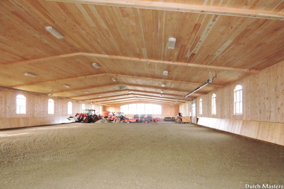 A private stable dutch masters horse barn builders ontario for Barn builders ontario