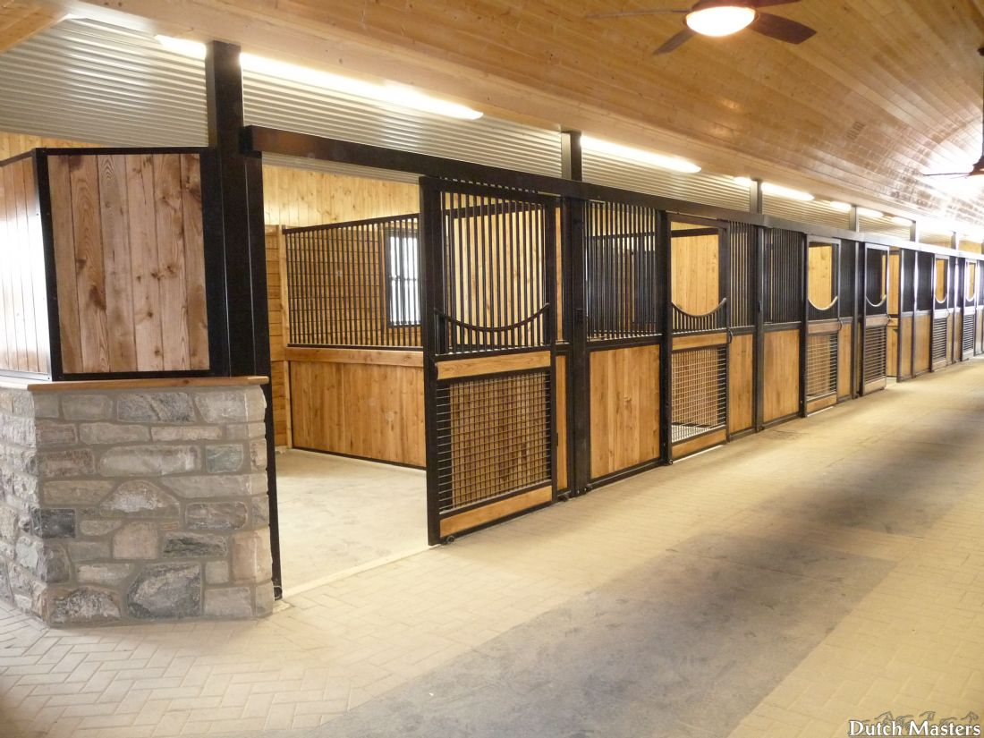 Valhalla equestrian centre dutch masters horse barn for Horse stall plans