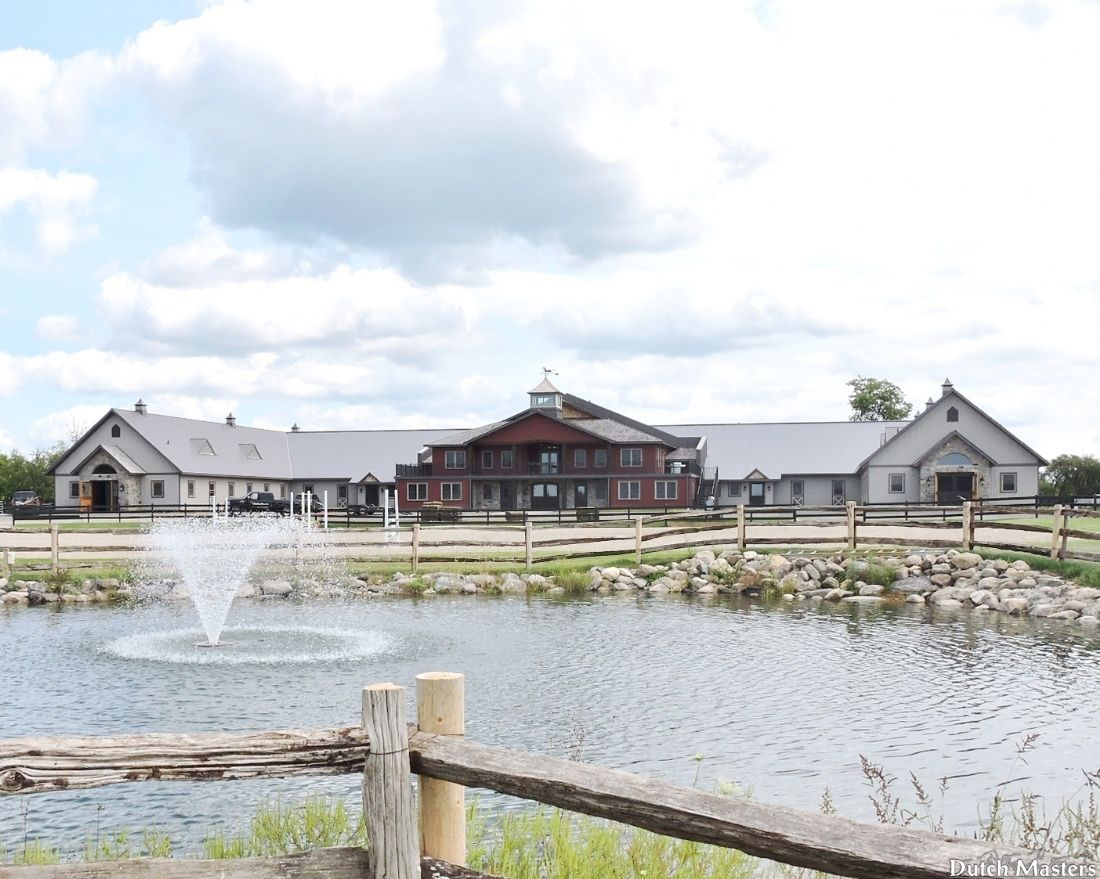 Valhalla equestrian centre dutch masters horse barn for Barn builders ontario